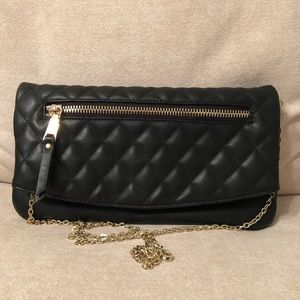 Black crossover/clutch purse
